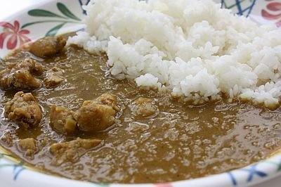 カルピス入りチキンカレーは甘口カレーが好きな人にオススメ。