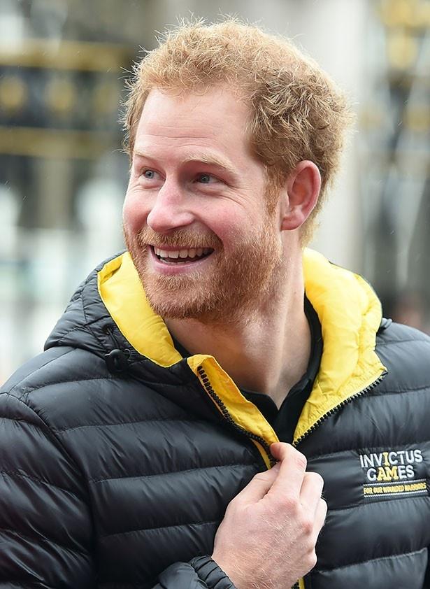 ヘンリー王子と交際中の恋人がキャサリン妃姉妹と比較されている
