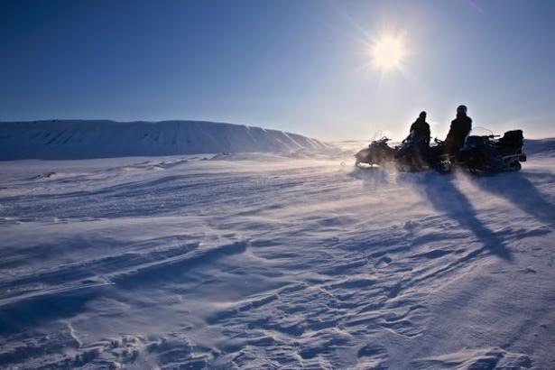 初心者も大歓迎!「スノーモービルで行く雪上ツーリング」