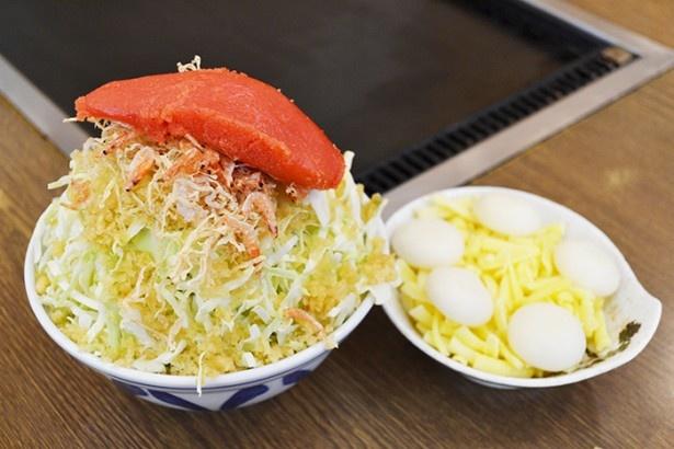 明太子やチーズ、もちなど人気のトッピングが入った「明太もちチーズもんじゃ」1630円(「いろは 本店」)