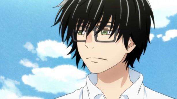 幼いころに家族を失くし、心に深い孤独を抱えるプロ棋士の桐山零。彼は川本3姉妹と出会い、次第に心を開いていく