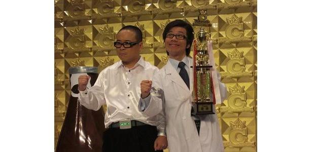 感慨深く語るバッファロー吾郎の木村明浩(左)と竹若元博(右)