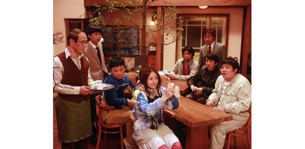 「カフェ・ド・念力」を舞台に、奇妙な超能力バトルが勃発!?
