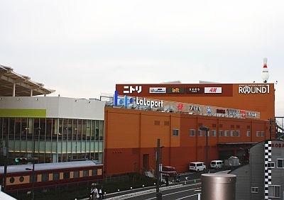 178店舗が集まる大型ショッピングパーク「ららぽーと新三郷」