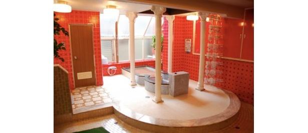 浴室もフラットな雰囲気になっている