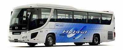 展示される高速道路バスセレガハイブリッド