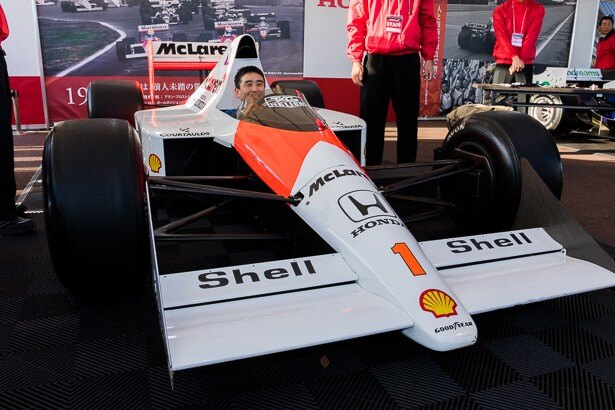 アイルトン・セナがドライブしたマクラーレン・ホンダMP4/5のコクピットに座ることができた