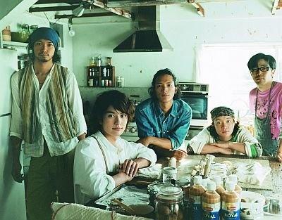 左から青木さん、岡田さん、渡部さん、濱田さん、鈴木さん