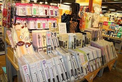 人気のブーツ関連コーナーは、渋谷ロフトの目立つエリアに設置されている