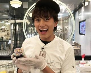 """""""スイーツ王子""""・小林 豊が「MAGNOLIA BAKERY」でカップケーキ体験!"""