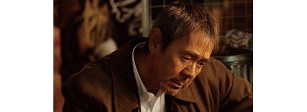 主演の寺尾聰。最愛の娘を失った男・長峰重樹を演じる