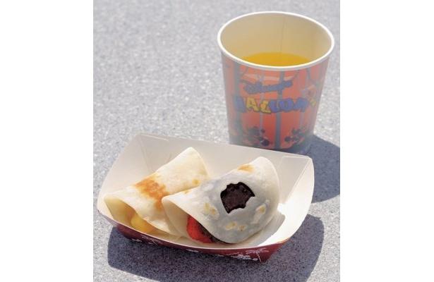 「フルーツとあんのハロウィーン餅」(350円)、甘味セット(緑茶付き)は500円 (東京ディズニーシー)