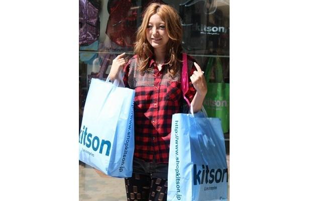 原宿「kitson studio」のオープン日にはタレントの木下優樹菜さんも豪快に買い物を楽しんだ