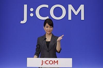 新CMで報道官に扮したウッチー【ほかCM&会見画像】