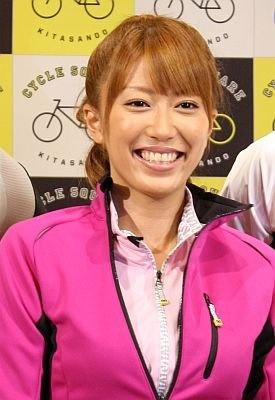里田まいさん
