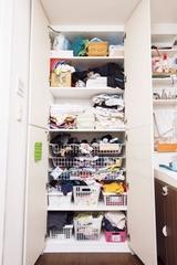 「汚部屋」改造レポート:洗面所の収納棚がすっきり!