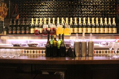 ハウスワイン赤・白、自家製サングリア赤・白の計4種類が飲み放題!