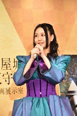 応援ゲスト・古畑奈和は、「スター・ウォーズ/エピソードI~III」に登場した「パドメ」風の衣装を着用