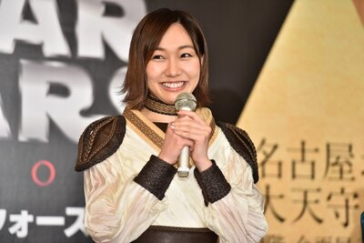 応援ゲストとして駆けつけた須田亜香里は、「スター・ウォーズ/フォースの覚醒」の「レイ」にインスパイアされた衣装で登場