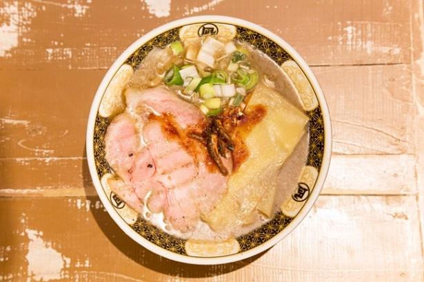 20種以上の煮干しを使う「にぼし」(820円)/ ラーメン凪 下北沢店