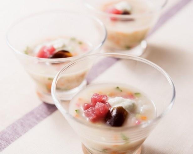オシャレな組み合わせが楽しい「飲むSUSHI~野菜と鮪の寿司スープ~」