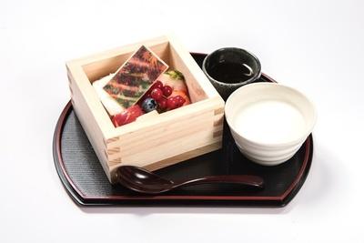 「秋の糸守ムース 甘酒付き」(1274円)