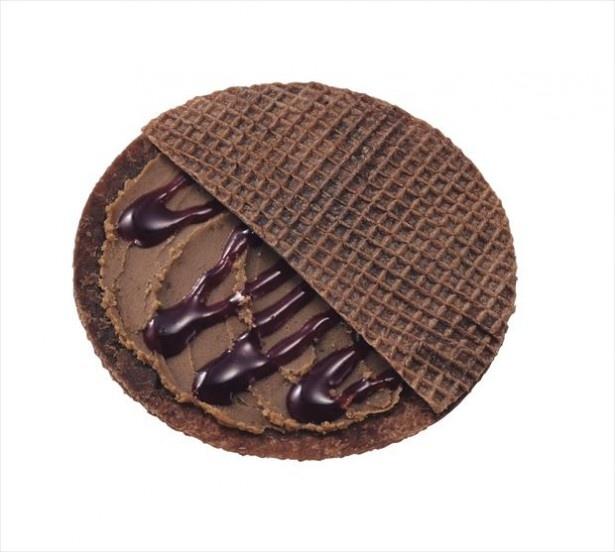 ゴーフルをチョコレート生地でアレンジしたミュゼ・ドゥ・ショコラ テオブロマの「ショコフル」(389円)