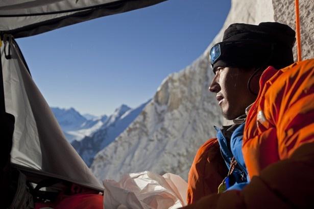 """難攻不落の""""世界一の壁""""ヒマラヤ・メルー峰にあるシャークスフィンと呼ばれる頂上に挑むドキュメンタリー"""