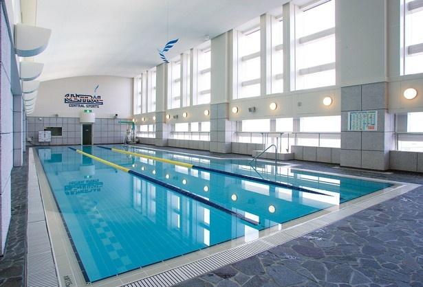 気軽に泳げるプール(20m×3コース)を設備