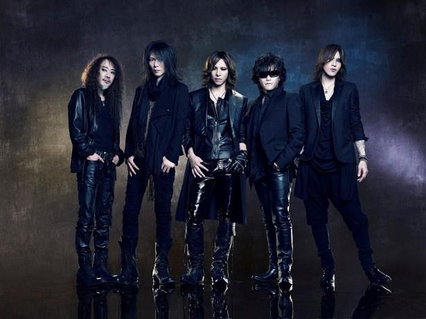 【写真を見る】X JAPANは生前のhideの貴重映像とのコラボレーション演奏を行う!