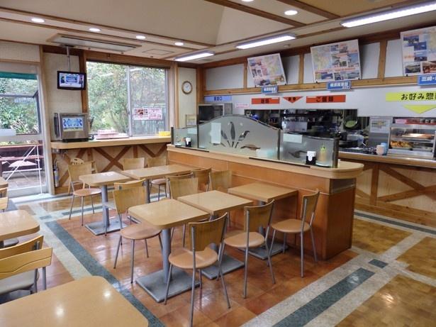 【写真を見る】横須賀PAのスナックコーナーで販売
