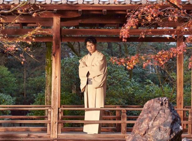 【写真を見る】紅葉が美しい建仁寺で撮影した山下健二郎の美麗ショット!