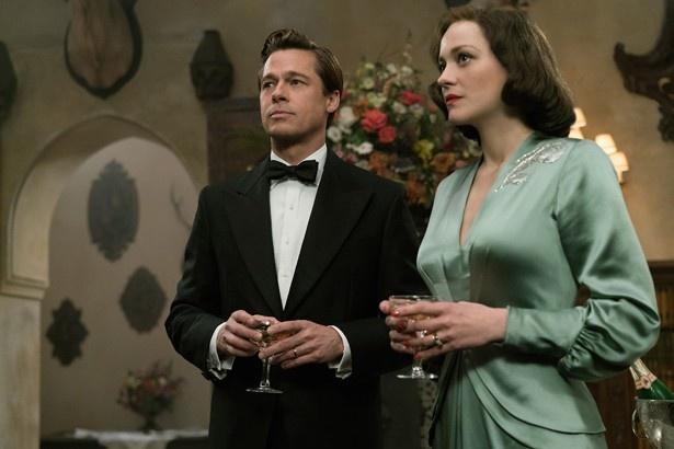 偽りの夫婦を装うことになったマックスとマリアンヌ