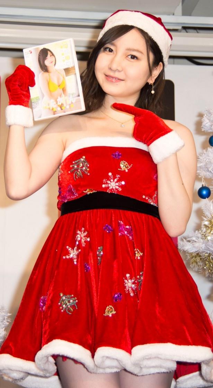 1st DVD「いわたかれん ふぁ~すと」発売イベントに出席した岩田華怜