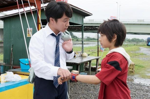 【写真を見る】天野ケータ(南出凌嘉)&ハマちゃん(濱田岳)、ドッキドキの共演シーン!