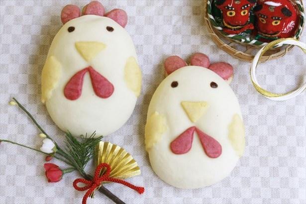 関東、東北エリアは可愛らしいにわとりデザイン「干支パン 酉」(281円)