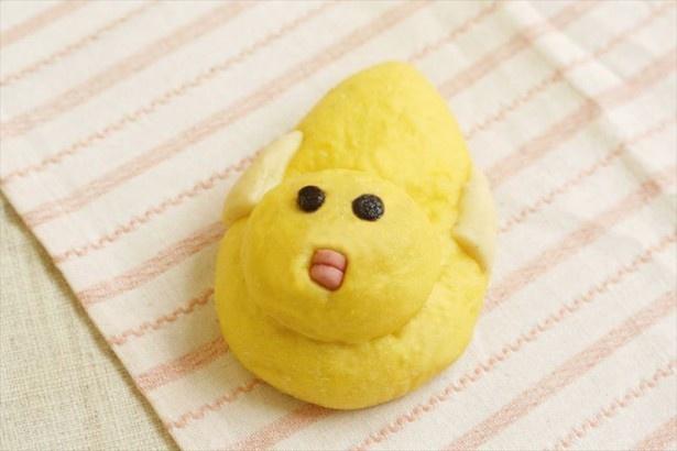 北海道エリアはことり型のパンにカスタードクリームが詰まった「小鳥の干支パン 」(238円)