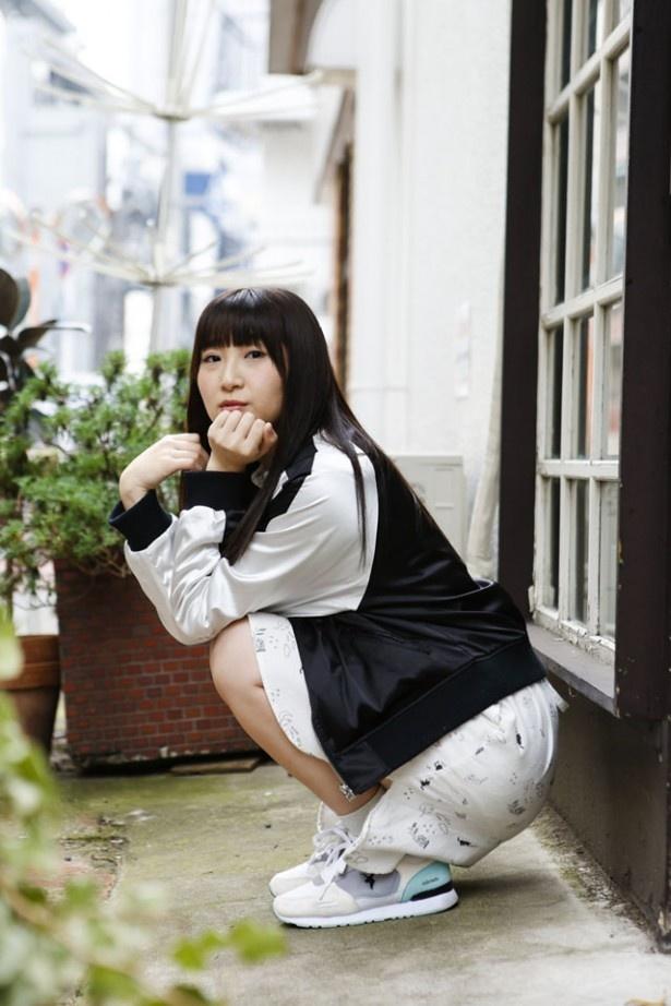 「アイドル事変」の桃井梅役、「CHAOS;CHILD」の香月華役などを演じる仲谷明香さん