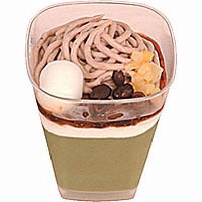 """食感も楽しめる食べ応えのあるデザート""""もちっと食感""""から「抹茶パフェ」(260円)"""