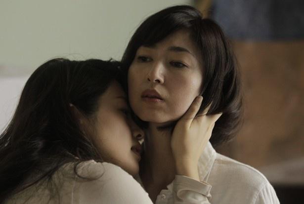 怨念にも近い女性の深い愛が描かれる『ホワイトリリー』