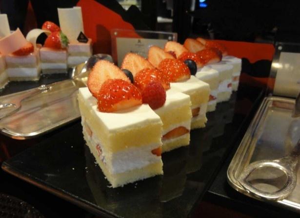 生クリームの味わいが絶妙な苺ショートケーキは、イチゴのスイーツの定番中の定番