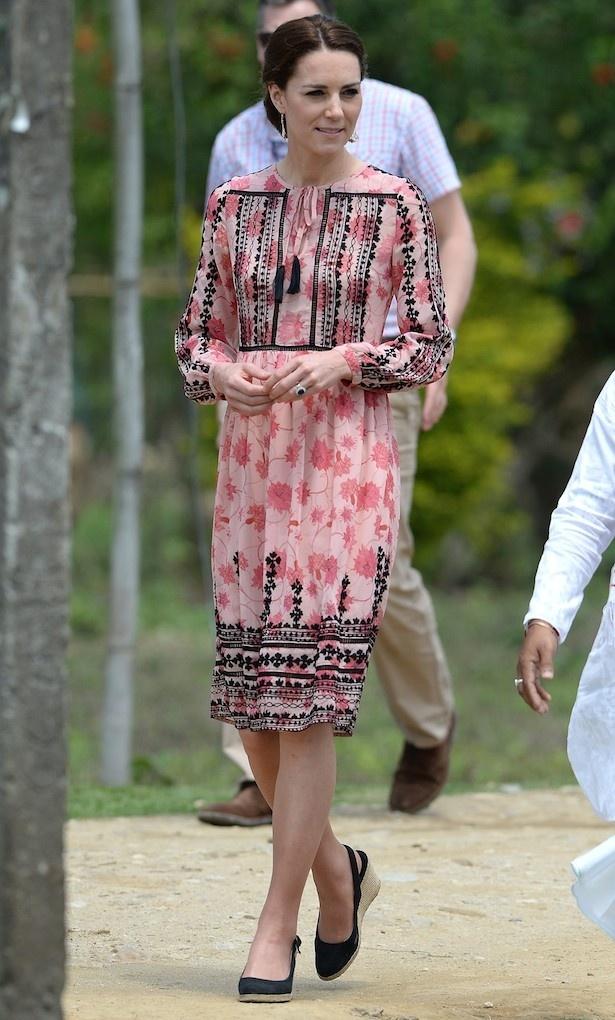 インドではエキゾチックなファッションを披露していた