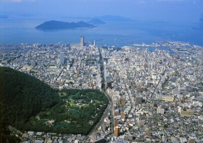 3年に一度の「瀬戸内国際芸術祭」が開催された香川県高松市が1位