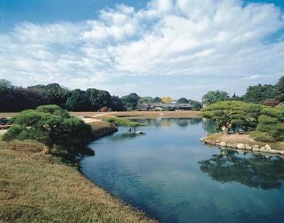 【写真を見る】2位の岡山県岡山市後楽園。LCC直行便が就航したことで、とくに台湾からの訪問客が増えた