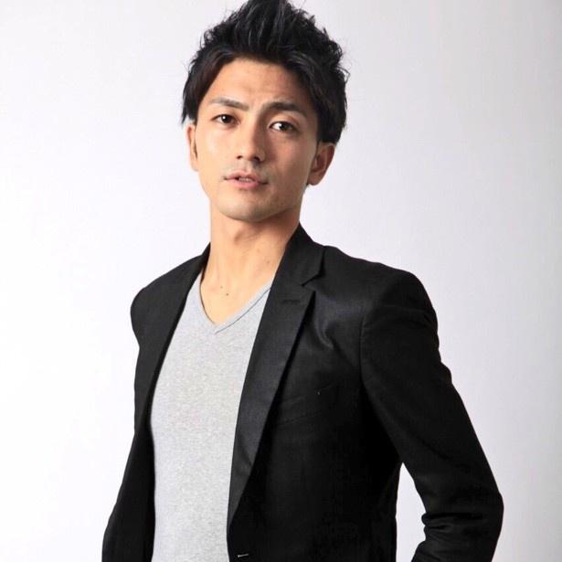 イベントを盛り上げる司会者「MC ニシガキ」も1986年生まれの30歳