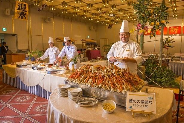 2階「マグノリアホール」 では本ズワイ蟹が食べ放題!