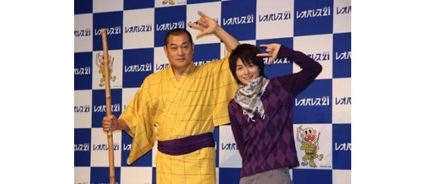 今回のCMが初共演となった松平健と小池徹平