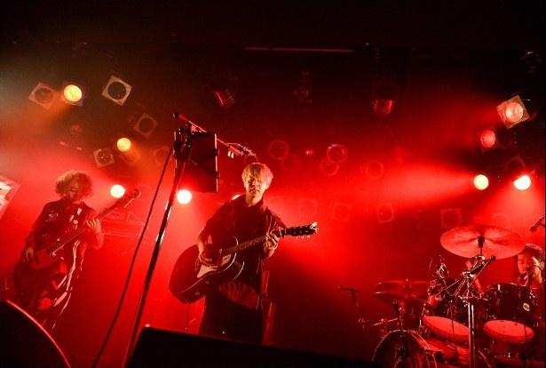 東京・原宿ASTRO HALLで行われた、Lyu:LyuからCIVILIANへの改名ライブを放送
