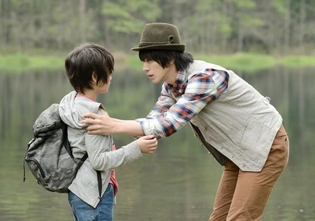 2人の少年に出会った丸井(廣瀬)にハプニングが!?