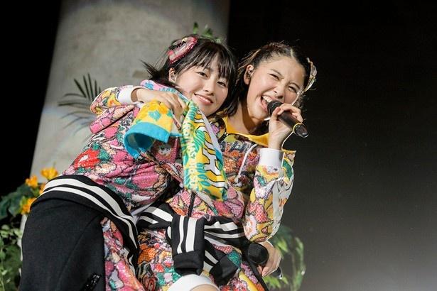 佐々木彩夏、玉井詩織は「本当に夏みたい」と熱いライブを展開